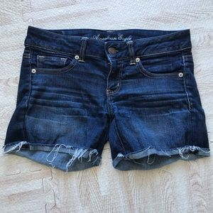 AEO Dark Wash Distressed Frayed Denim Jeans